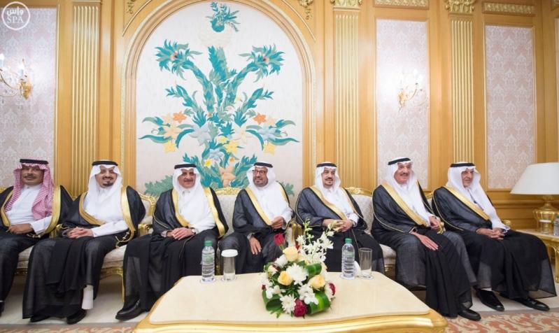 الملك سلمان يستقبل امراء المناطق 4