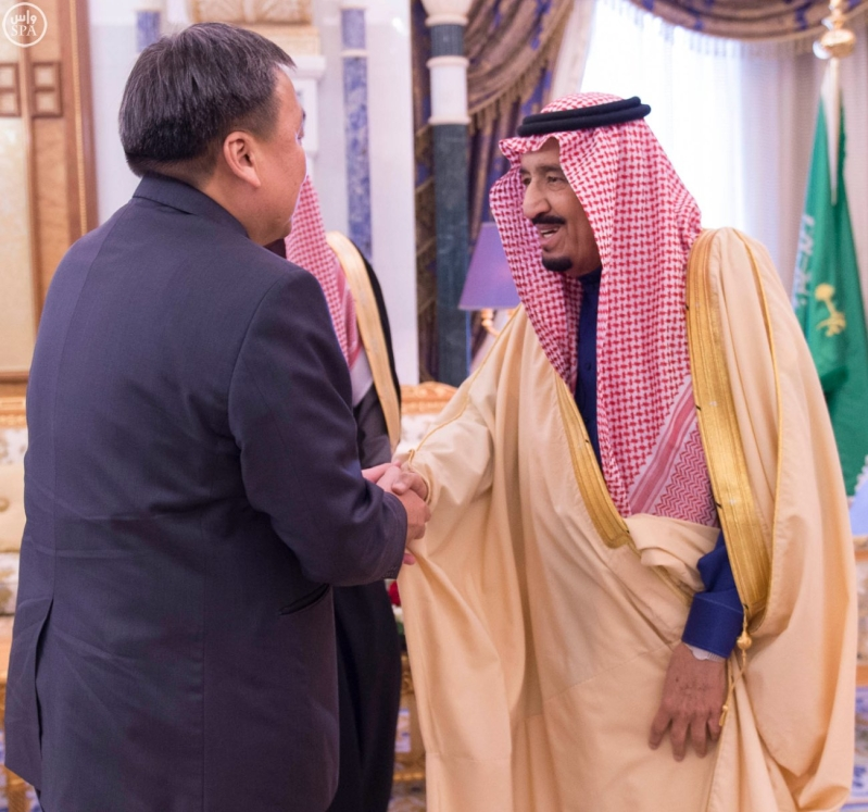 الملك سلمان يستقبل رئيس البرلمان