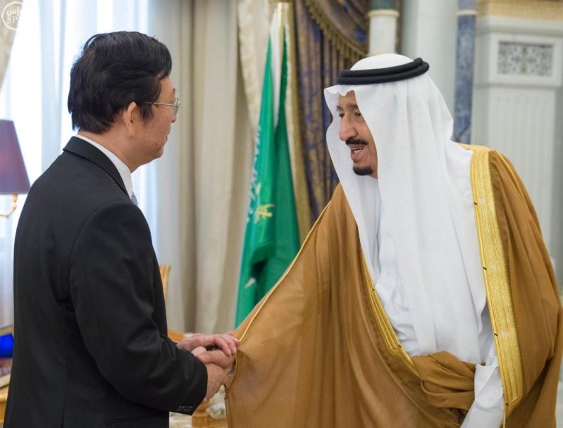 الملك سلمان يستقبل رئيس الصين