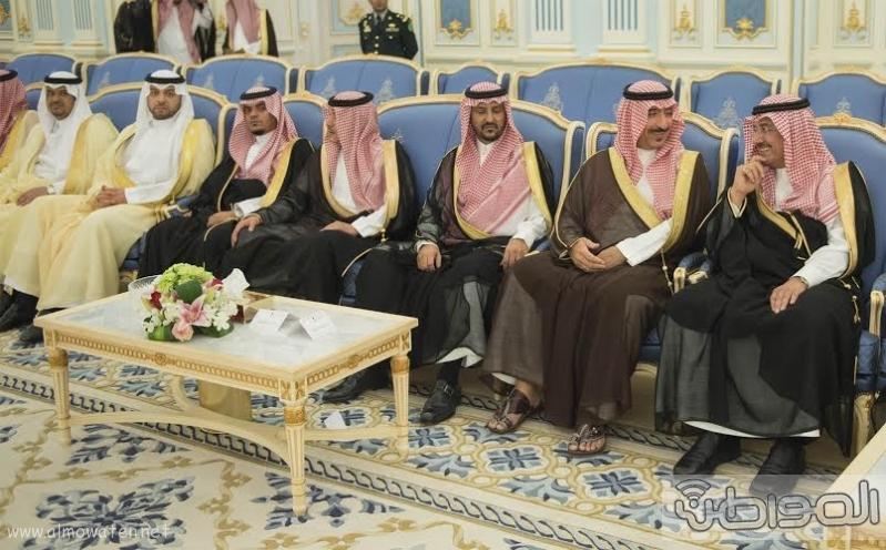 الملك سلمان يستقبل رئيس غينا16