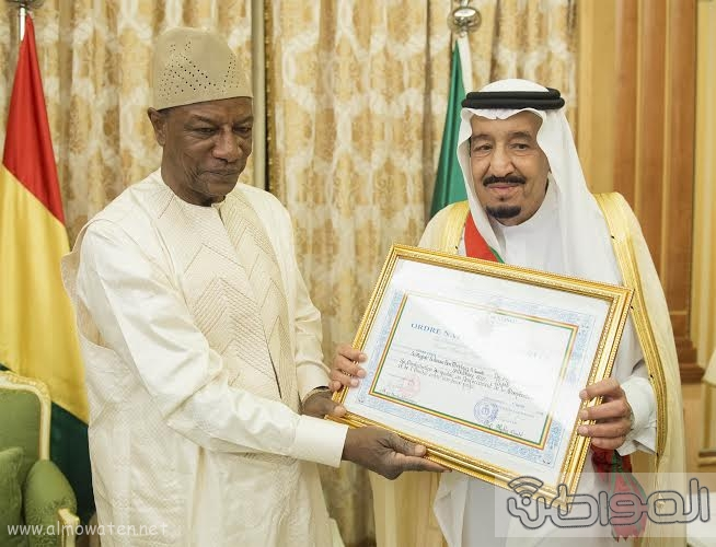 الملك سلمان يستقبل رئيس غينا19