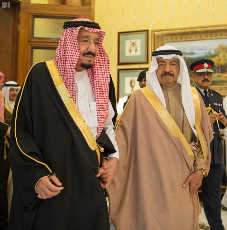 الملك سلمان يستقبل رئيس وزراء مملكة البحرين (1)