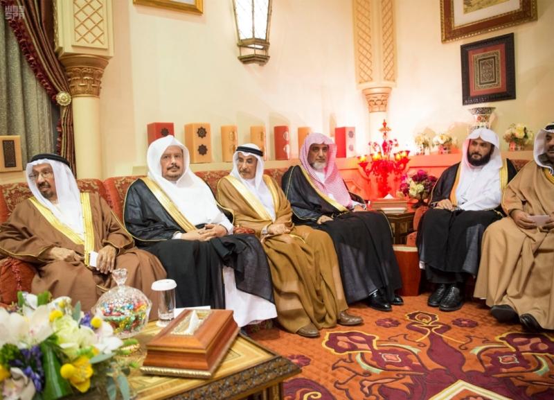 الملك سلمان يستقبل رئيس وزراء مملكة البحرين (34669057) 