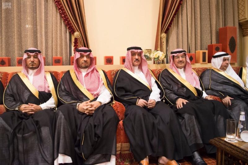 الملك سلمان يستقبل رئيس وزراء مملكة البحرين (34669059) 