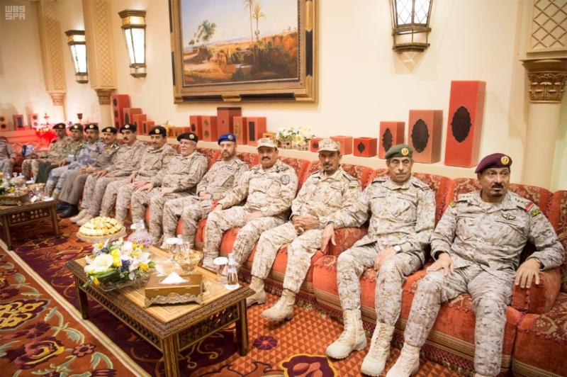 الملك سلمان يستقبل رئيس وزراء مملكة البحرين (34669065) 