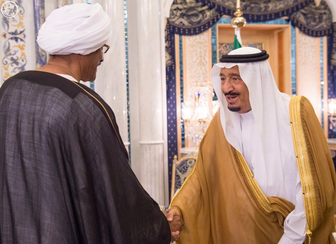 الملك سلمان يستقبل عميد السلك الدبلوماسي ورؤساء المجموعات الدبلوماسية (1)