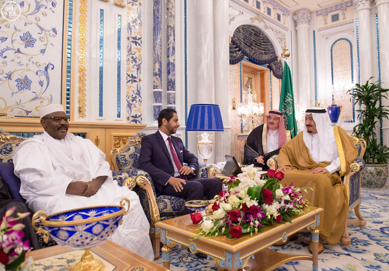 الملك سلمان يستقبل عميد السلك الدبلوماسي ورؤساء المجموعات الدبلوماسية (2)