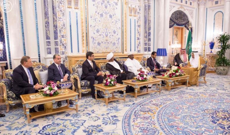 الملك سلمان يستقبل عميد السلك الدبلوماسي ورؤساء المجموعات الدبلوماسية (5)