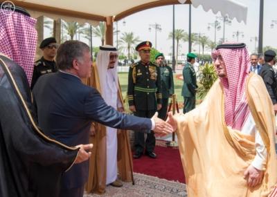 الملك سلمان يستقبل ملك الاردن.jpg3