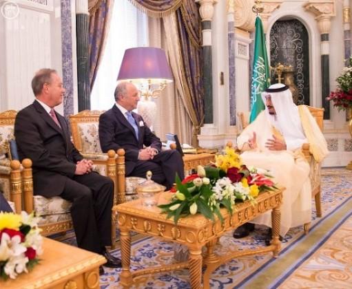 الملك-سلمان-يستقبل-وزير-الخارجية-الفرنسي-