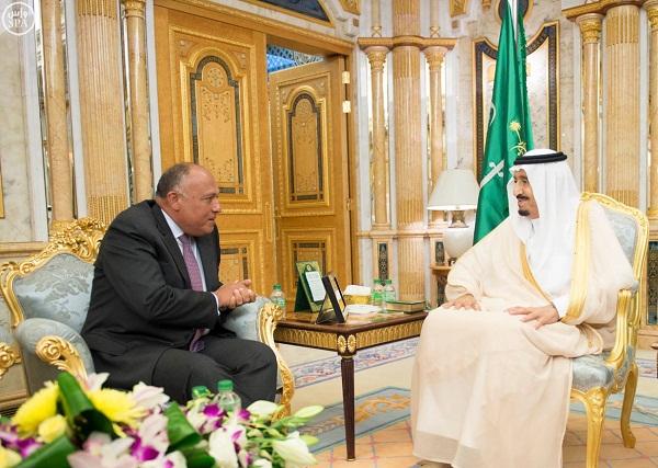 الملك-سلمان-يستقبل-وزير-الخارجية-المصري