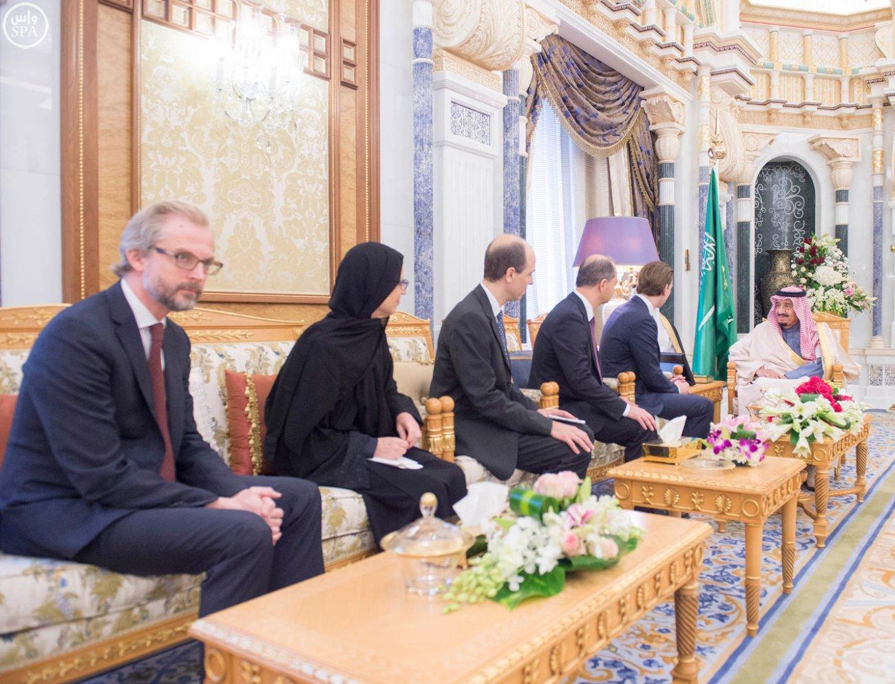 الملك-سلمان-يستقبل-وزير-خارجية-النمسا (1)