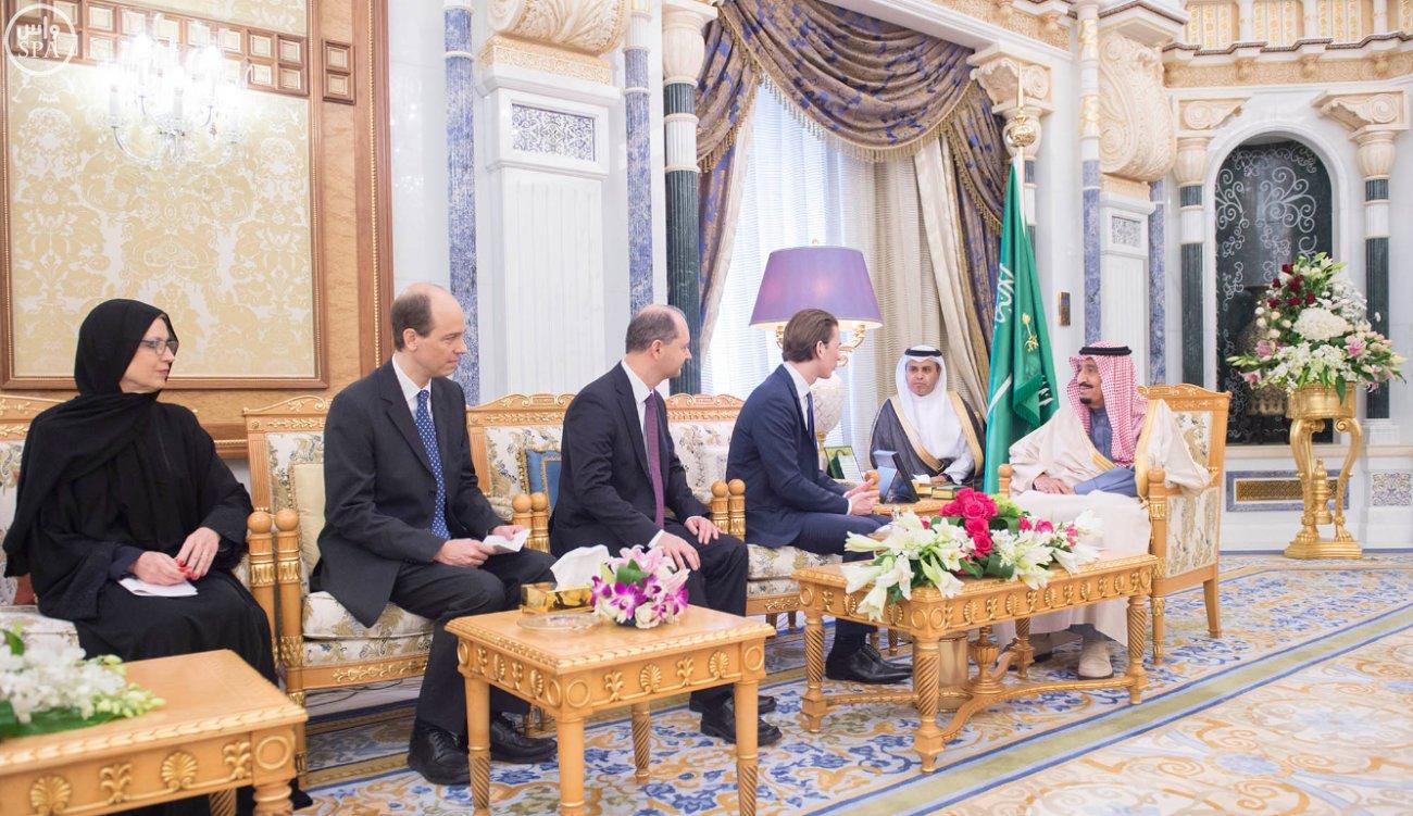 الملك-سلمان-يستقبل-وزير-خارجية-النمسا (2)