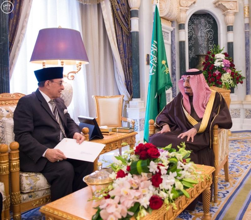 الملك سلمان يستلم رسالة من رئيس اندنوسيا (1)