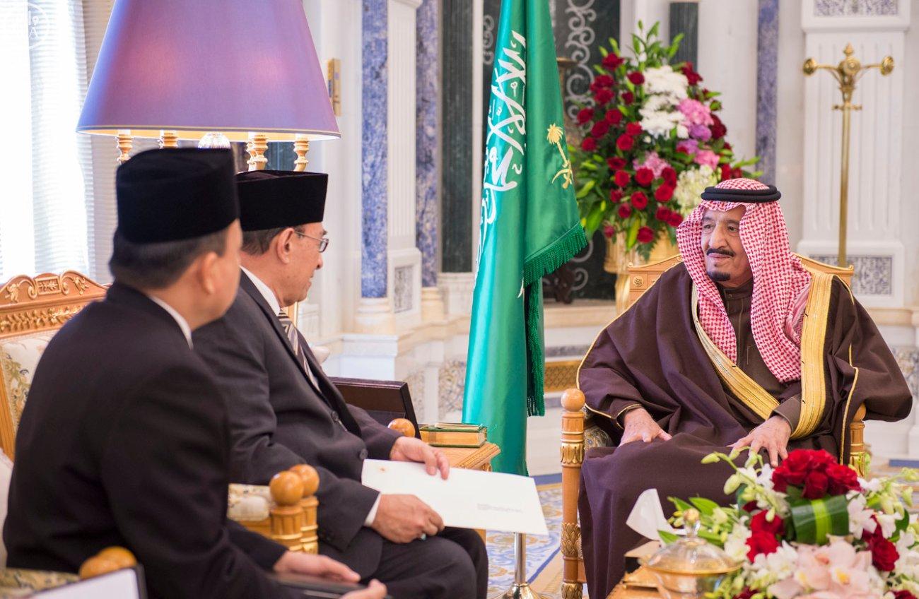 الملك سلمان يستلم رسالة من رئيس اندنوسيا (3)