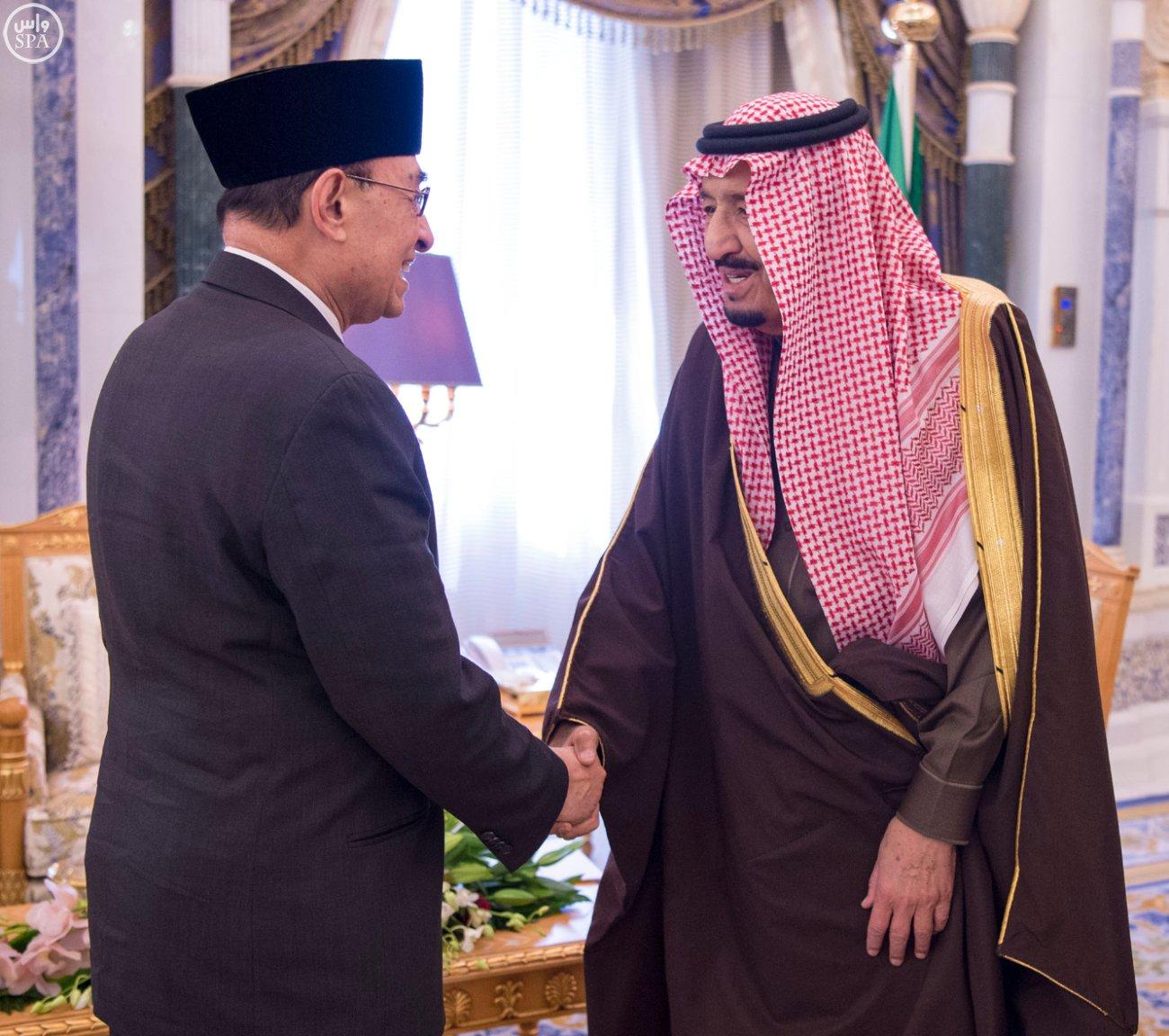 الملك سلمان يستلم رسالة من رئيس اندنوسيا