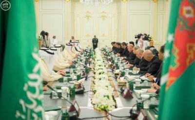 الملك سلمان يعقد جلسة مباحثات مع الرئيس التركمانستي.jpg11