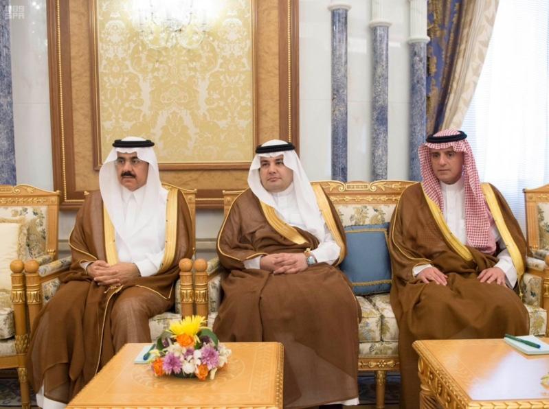 الملك سلمان يلتقي السفير الفرنسي (2)