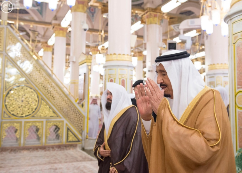 الملك في المسجد النبوي (34669057) 