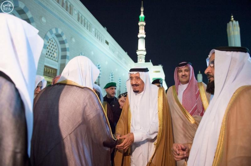 الملك في المسجد النبوي (34669058) 