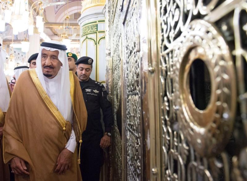 الملك في المسجد النبوي (34669061) 