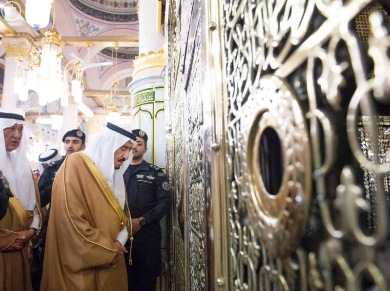 الملك في المسجد النبوي (34669062) 