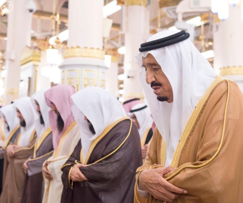 الملك في المسجد النبوي (34669066) 