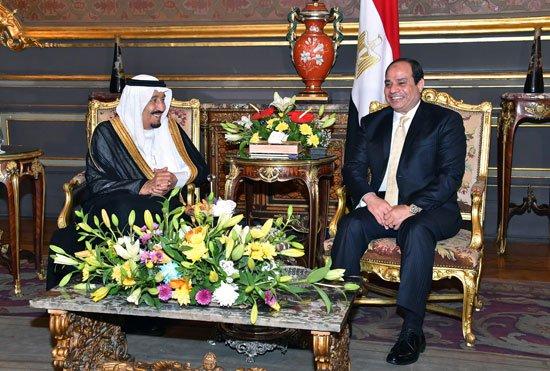 الملك والرئيس المصري يشهدان الاتفاقيات1