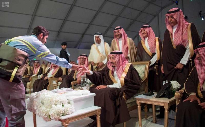 الملك يدشن مشاريع التعدين في مدينة رأس الخير والبنية الأساسية والتنموية 7
