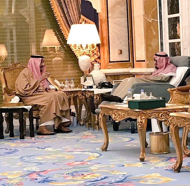 الملك يزور الامير بندر بن عبدالعزيز