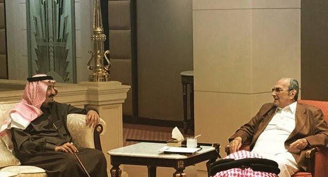 الملك يزور الامير طلال.jpg2