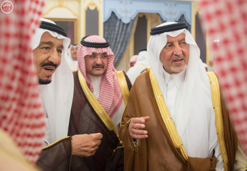 الملك يستقبل أصحاب السمو الأمراء وأصحاب الفضيلة والمعالي1