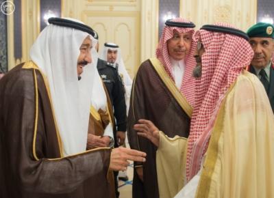 الملك يستقبل أصحاب السمو الأمراء وأصحاب الفضيلة والمعالي4