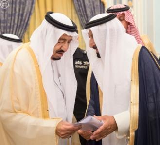 الملك يستقبل أصحاب السمو والامراء ومفتي عام المملكة6