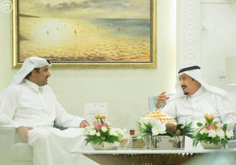 الملك يستقبل أمير قطر (1)