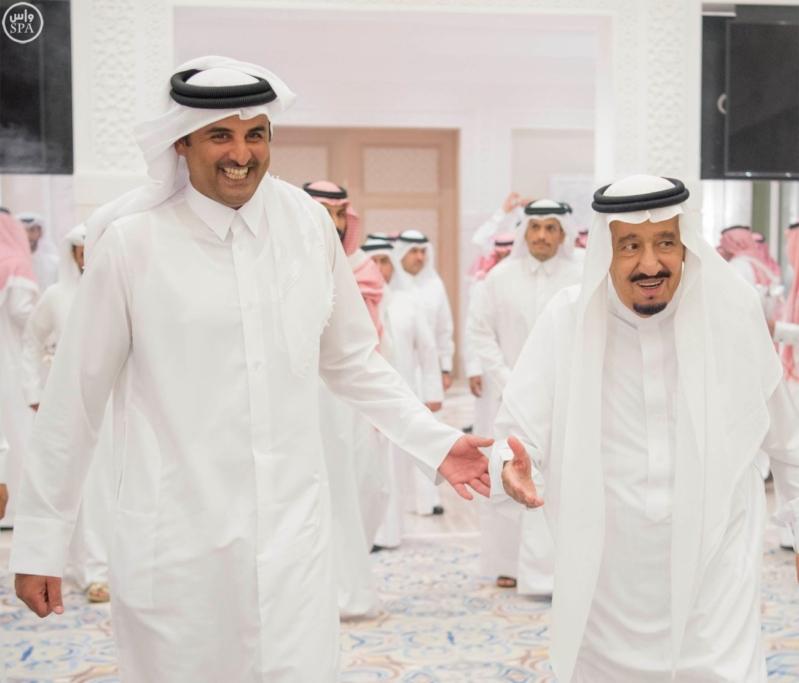 الملك يستقبل أمير قطر (3)