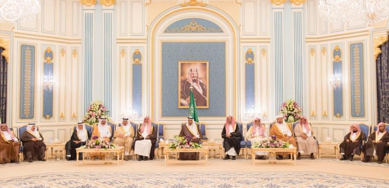 الملك يستقبل الامراء ومفتي عام المملكة