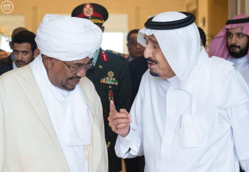 الملك يستقبل الرئيس السوداني 11