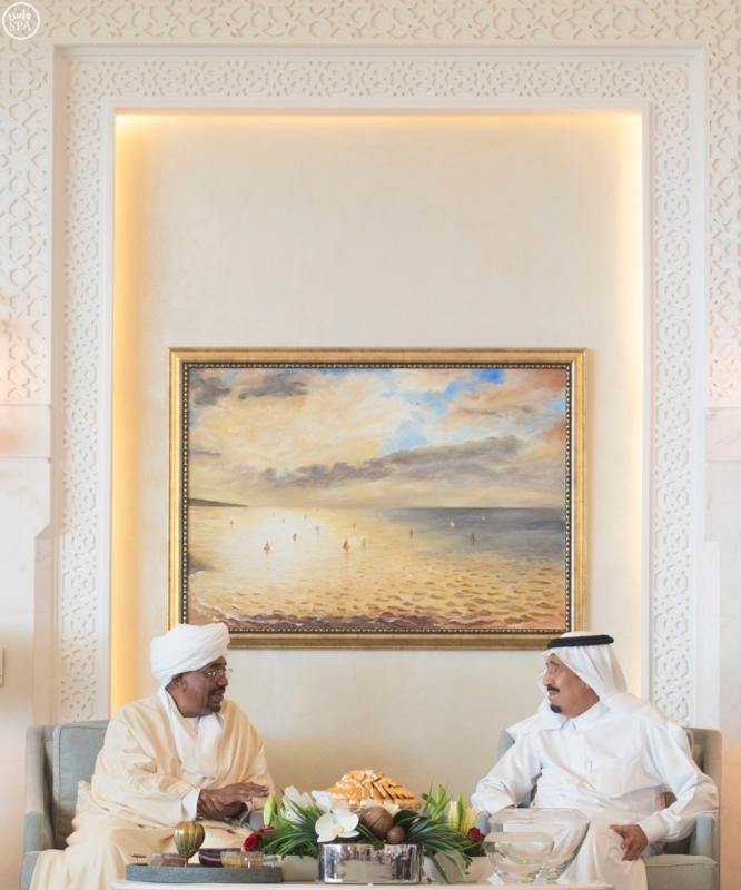 الملك يستقبل الرئيس السوداني 12