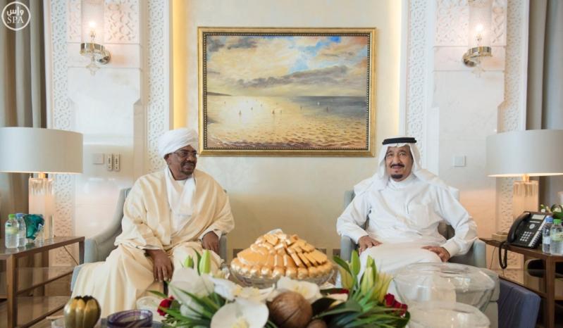 الملك يستقبل الرئيس السوداني 14