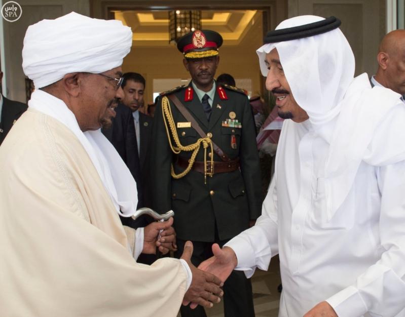 الملك يستقبل الرئيس السوداني