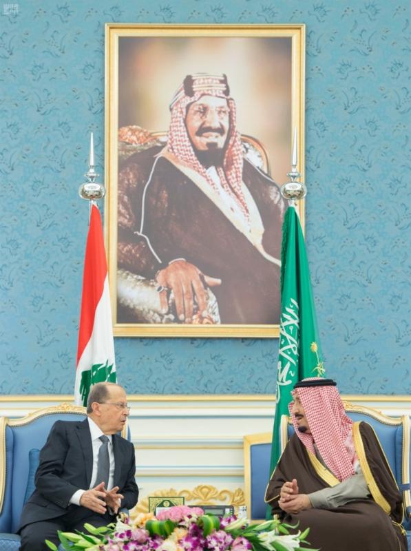 الملك يستقبل الرئيس اللبناني (1) 