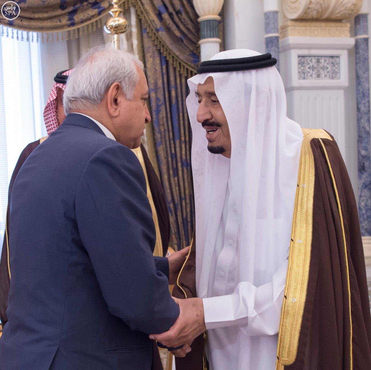الملك يستقبل العيسى والزياني ووزراء التعليم العالي بمجلس التعاون (2)