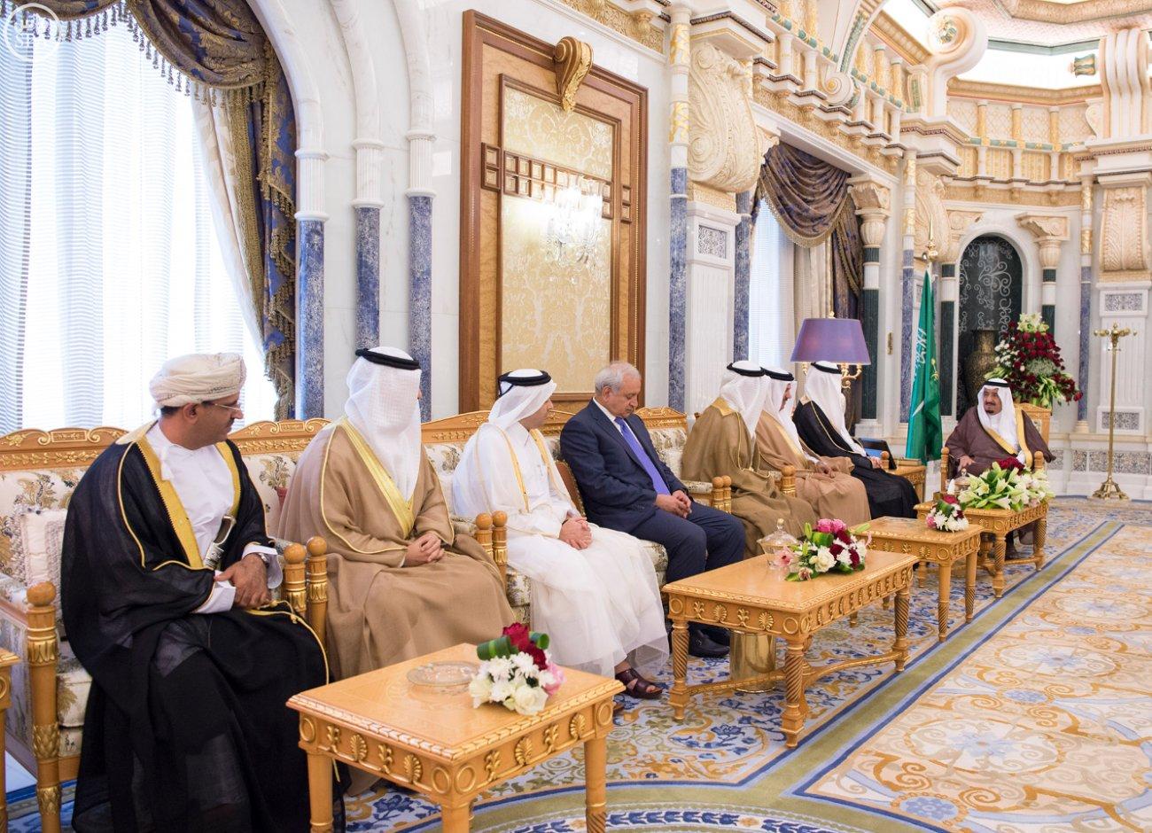 الملك يستقبل العيسى والزياني ووزراء التعليم العالي بمجلس التعاون (5)