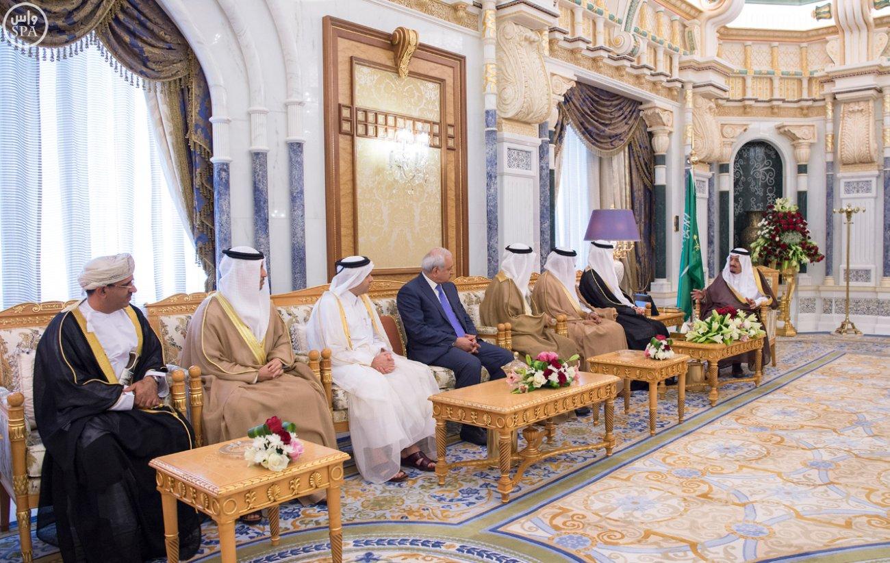 الملك يستقبل العيسى والزياني ووزراء التعليم العالي بمجلس التعاون (8)