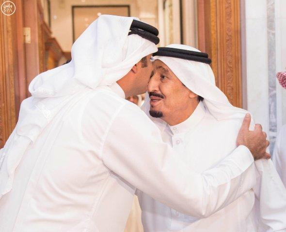 الملك-يستقبل-امير-قطر (2)