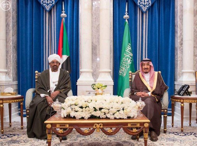 الملك يعقد اجتماعاً مع الرئيس السوداني يتناول آفاق التعاون بين البلدين - المواطن