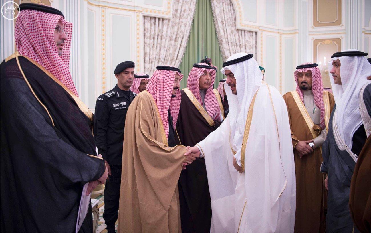 الملك-يستقبل-رئيس-اللجنة-الاولمبية (3)