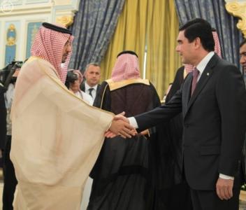 الملك يستقبل رئيس تركمانستان.jpg2