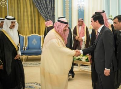 الملك يستقبل رئيس تركمانستان.jpg3